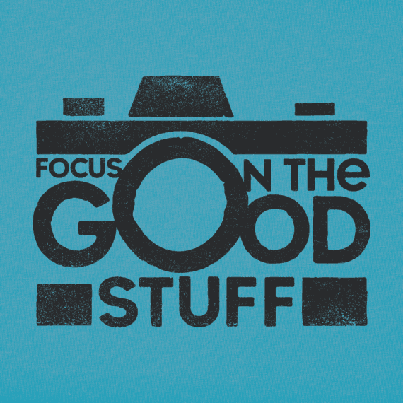 Women's Focus on the Good Camera Crusher Vee