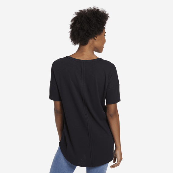Women's Mini Daisy Carefree Pocket Tee