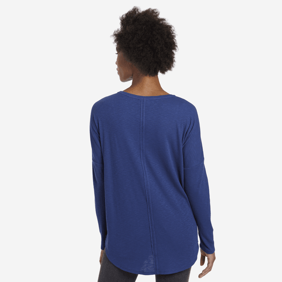 Women's Primal Scattered Leaves Carefree Long Sleeve Pocket Tee